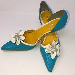 BCBG Paris slip on leather heels woman's size 5.5